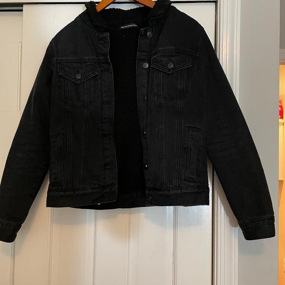 Black jean jacket with fur trim